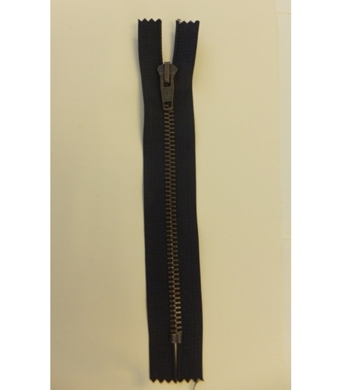 Zip 16cm Closed End Black with Metal Teeth